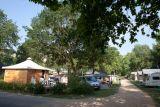 camping-isle-verte-allee-chalet-t-lambelin-800-47575
