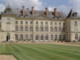 chateau-montgeoffroy-facade-generale-regards-scenographie-800-72315