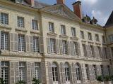 chateau-montgeoffroy-facade-haut-regards-scenographie-800-72316