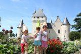 chateau-rivau-enfants-chapeaux-chateau-rivau-800-102959
