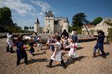 chateau-rivau-enfants-combat-epee-chateau-rivau-800-102960