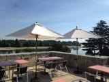 jean-2-terrasse-avec-vue-sur-la-confluence-de-la-vienne-et-de-la-loire-1280-428671