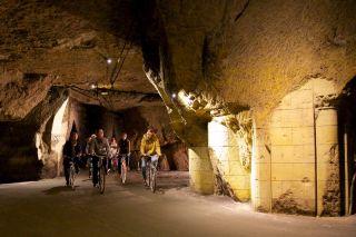 Bouvet-Ladubay - visite à vélo des caves