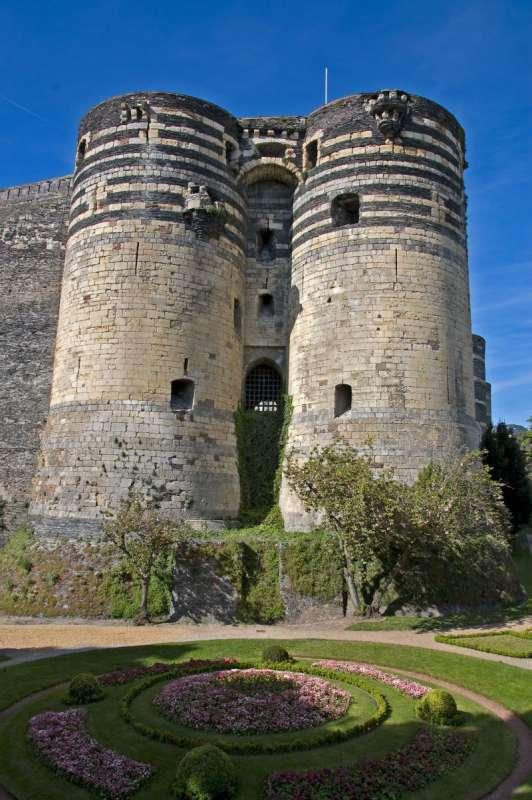 chateau-angers-vue-portrait-garatt-800-111788