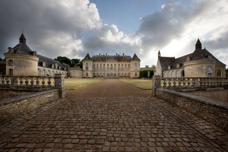 chateau-montgeoffroy-vue-ext-nicolay-monde-de-l-art-800-72331