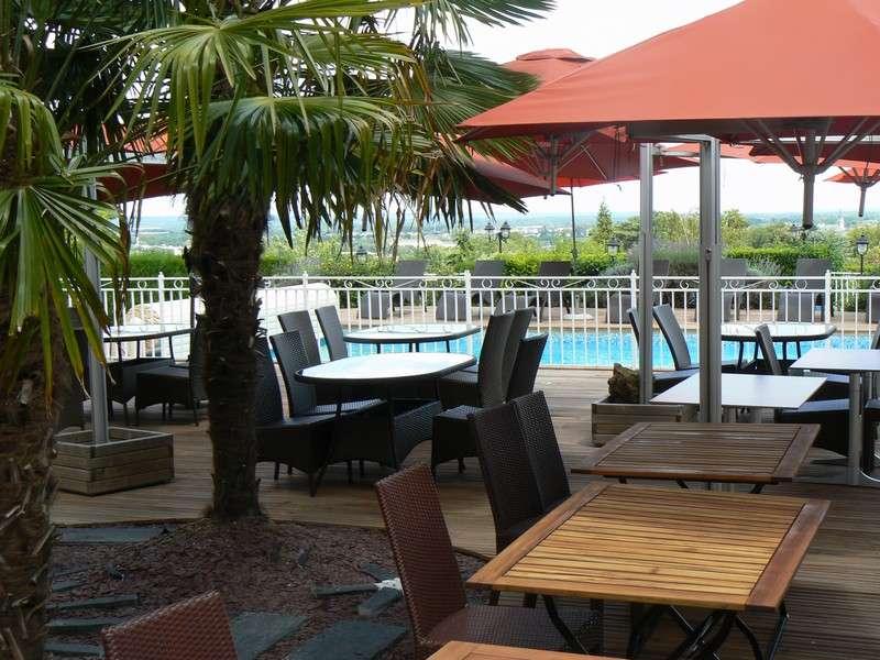 reserver hotel les terrasses de saumur. Black Bedroom Furniture Sets. Home Design Ideas