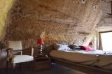farfadine-et-troglos-doue-la-fontaine-49-chambre-romeo-jour-s-laine-534154